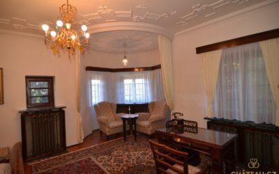 Spitzer's bedroom