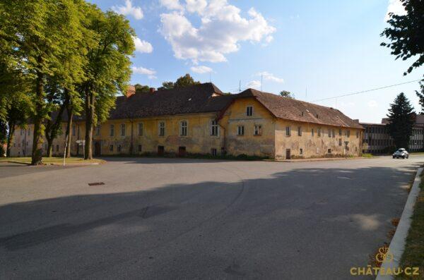 zamek-choustnik-chateau-cz-0012