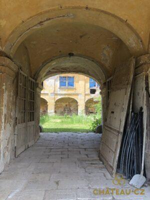 zamek-osova-chateau-cz-25