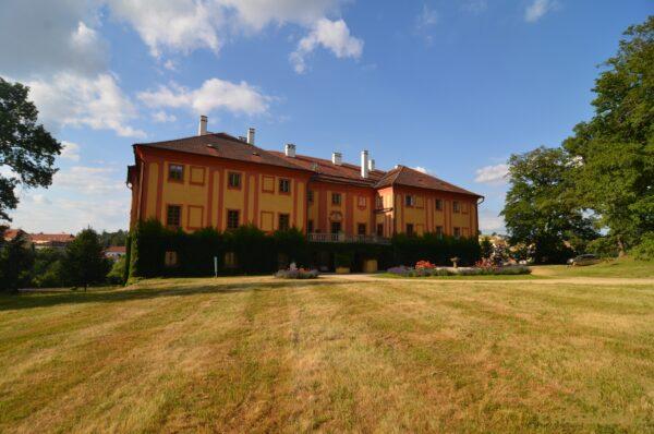 zamek-luka-nad-jihlavou-chateau-cz-14